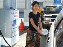 クルマで楽しむマウイ島 ガソリン給油4